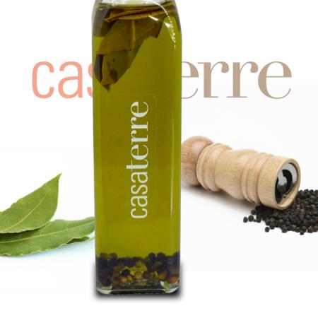 Aceite de oliva extra virgen con laurel y pimienta Casaterre